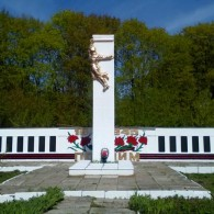 Памятник Воину-Солдату д.Бугровка.JPG